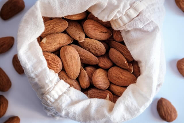Almonds as source of protein