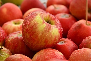 Apples are a great source on antioxidants that helps prevent low moods and mood swings