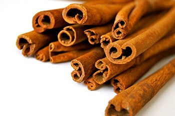 Cinnamon has antimicrobial properties that can help to heal wounds
