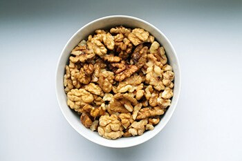 Walnuts support weight control and decrease inflammation