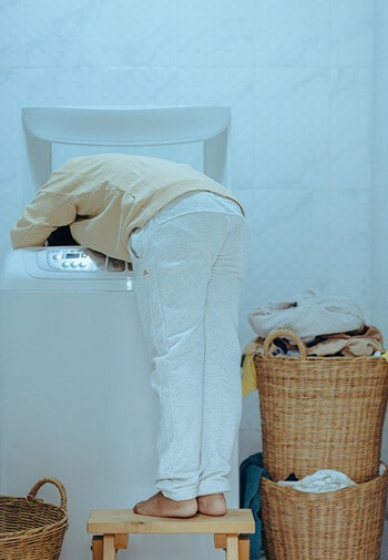 Wash clothes and beddings in warm water to get rid of bed bugs