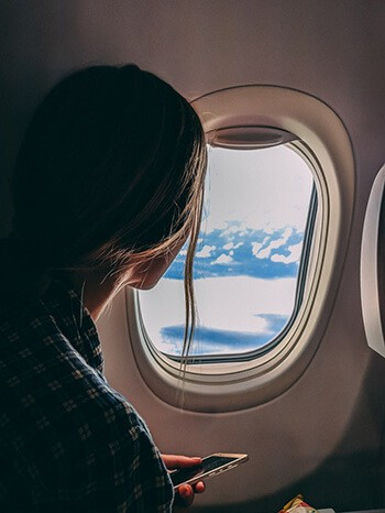 Chewing gum relieves ear pain during flights