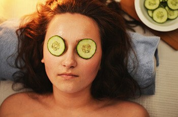 Cucumbers helps constrict blood vessels and reduce redness