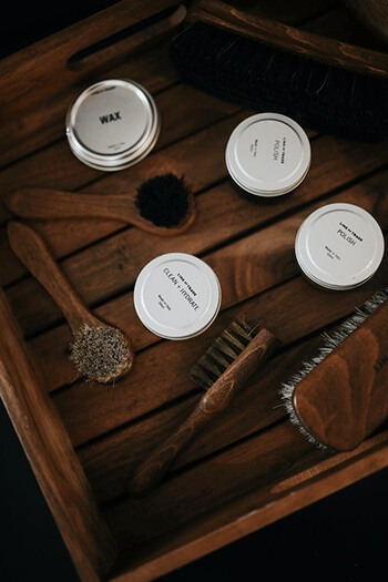 use shoe polish to hide furniture scratches