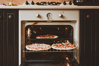 clean oven using baking soda
