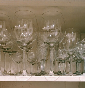 clean wineglasses