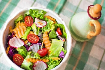 dress salad with apple cider vinegar