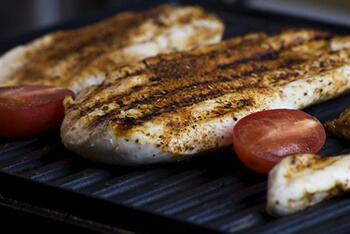 retain natural juice of chicken when grilling