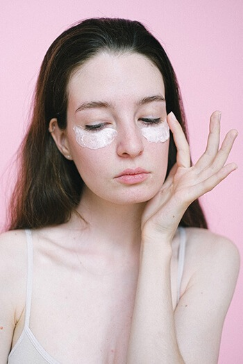 use tea bags to get rid of puffy eyes