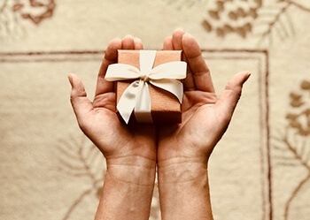Every day, brainstorm some kind act or gift you can offer your loved one unconditionally