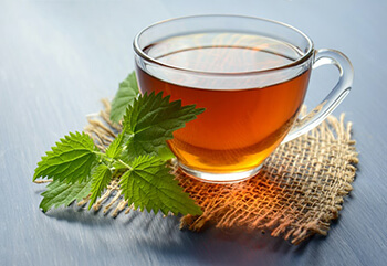 green tea is a detox drink with anti-inflammatory properties