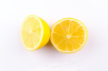 lemon essential oil can help you breathe easier at night